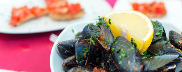 plated mussels
